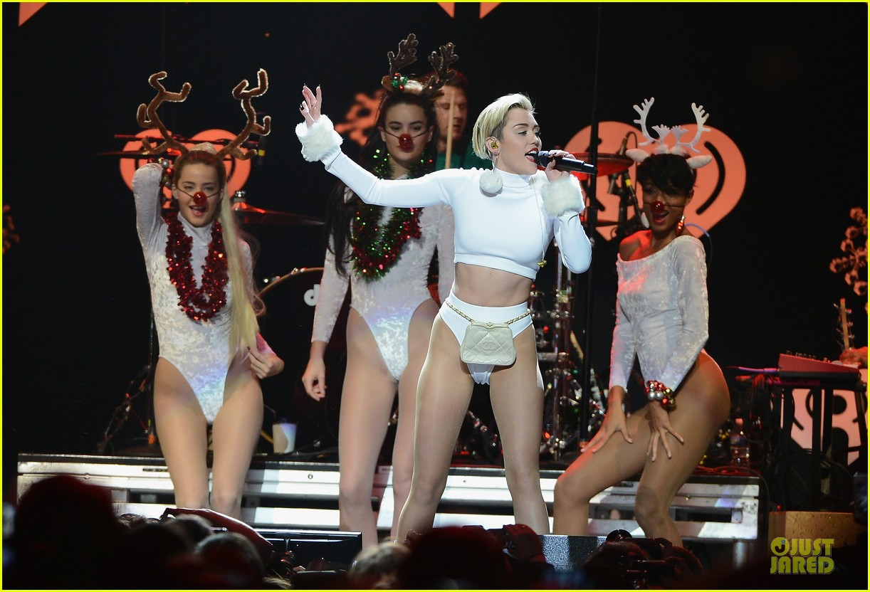 miley cyrus white hot for hot 995 jingle ball 2013 02