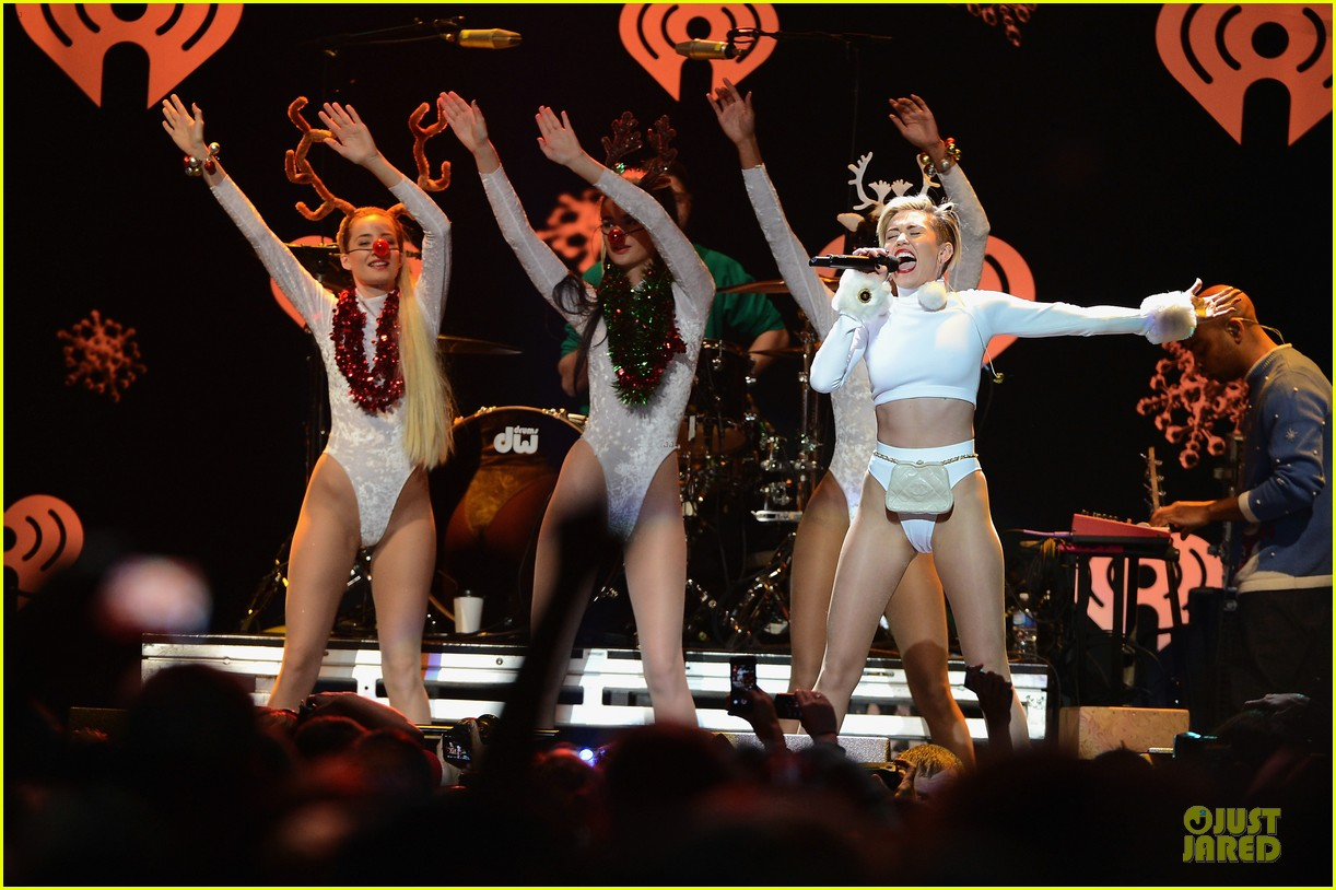 miley cyrus white hot for hot 995 jingle ball 2013 083013422