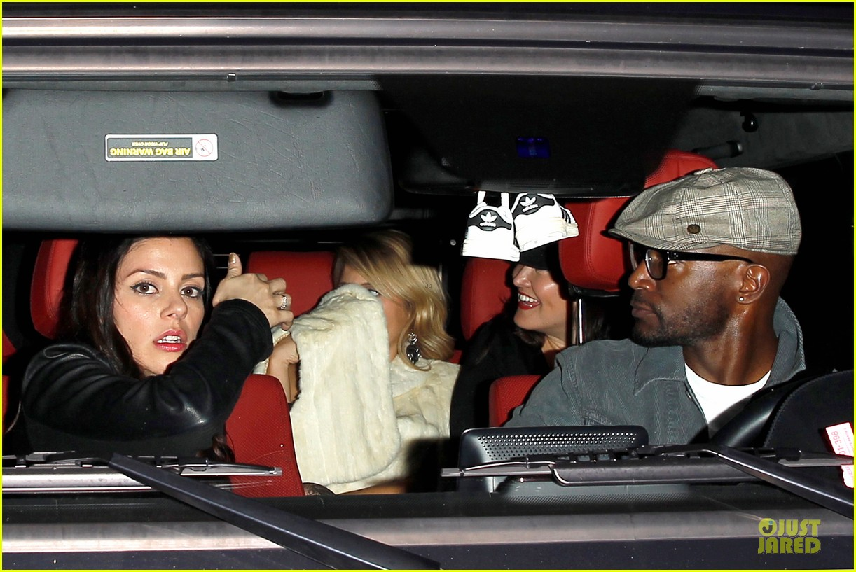 taye diggs hollywood club exit with three gal pals 04