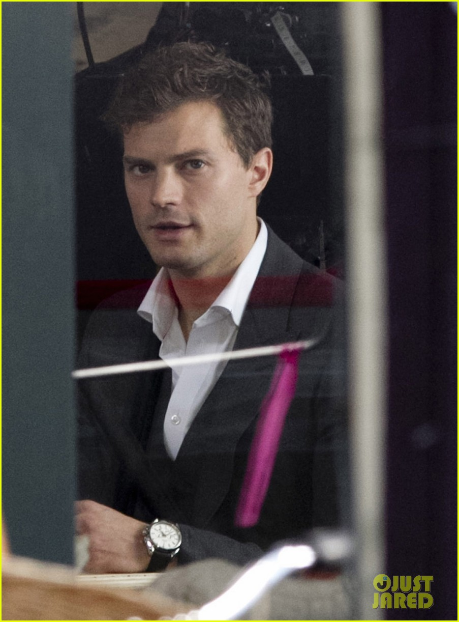 jamie dornan filming fifty shades of grey first photos on set 02