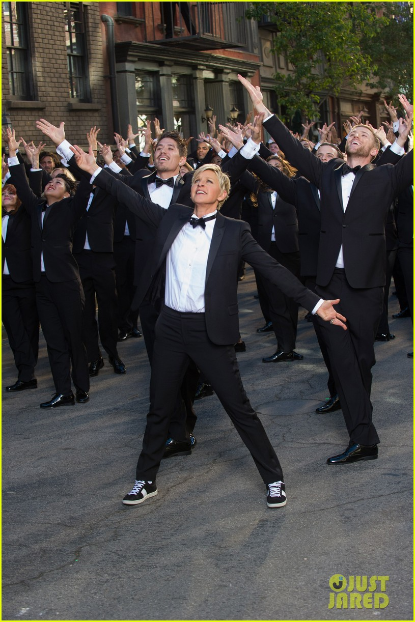 ellen degeneres dances down the streets in first oscars promo 02