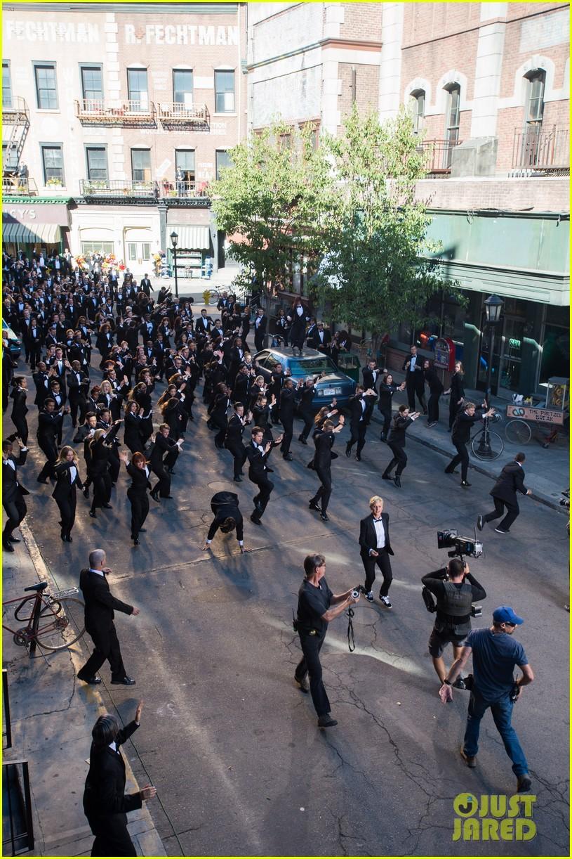 ellen degeneres dances down the streets in first oscars promo 03