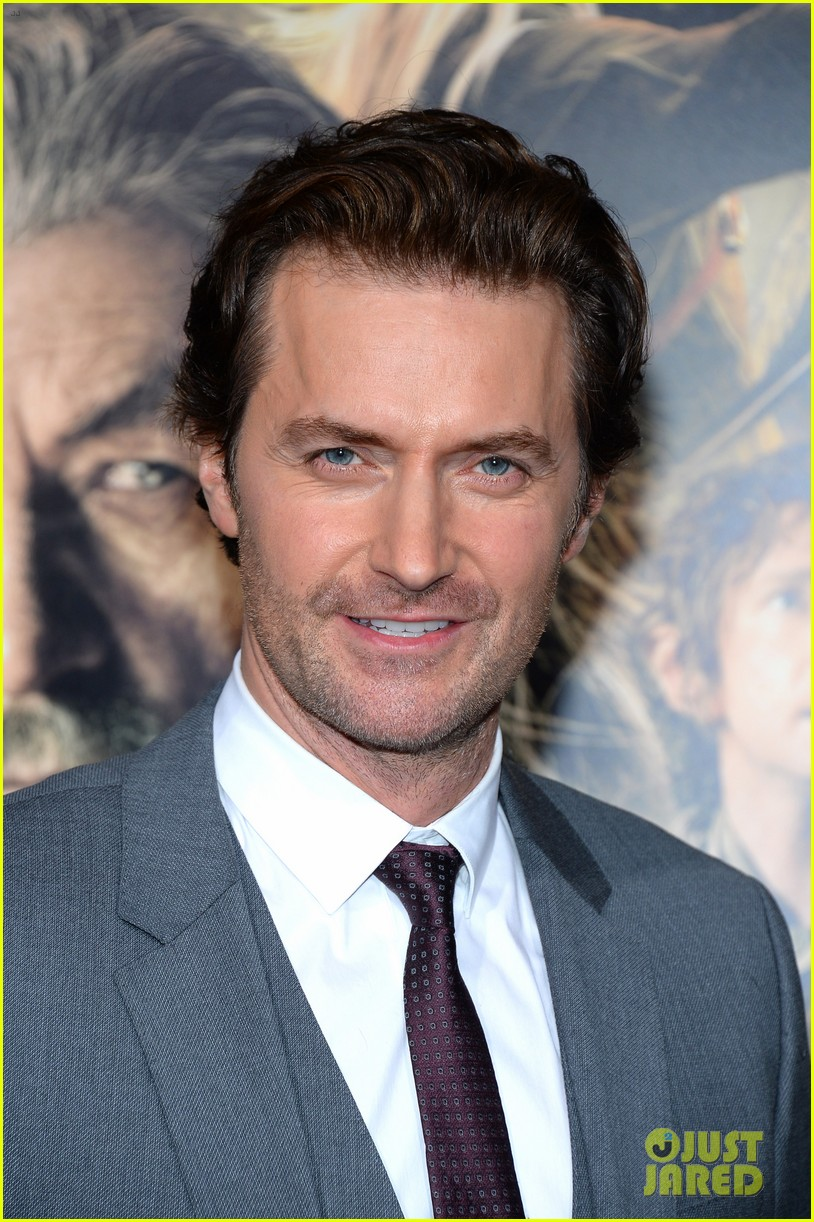 luke evans richard armitage desolation of smaug premiere 20
