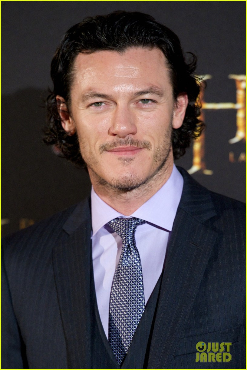 luke evans hobbit madrid premiere with richard armitage 033010528