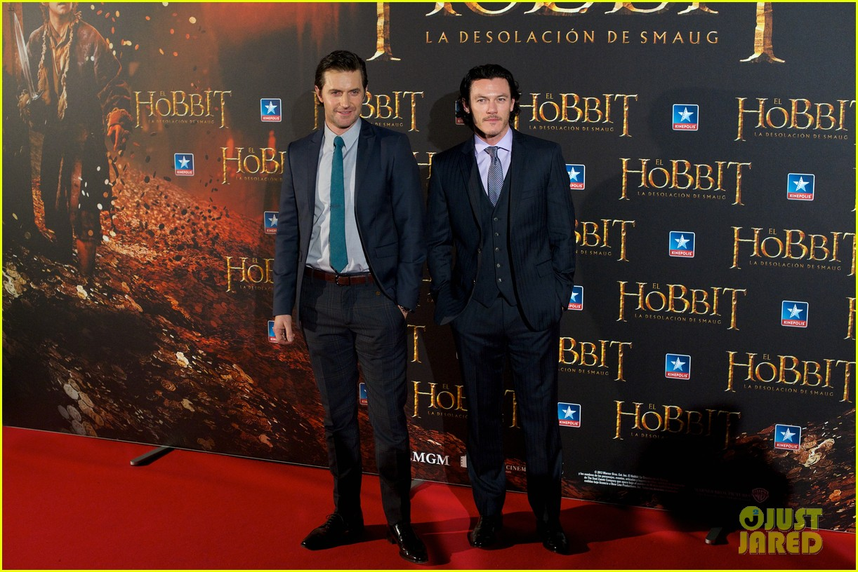 luke evans hobbit madrid premiere with richard armitage 043010529