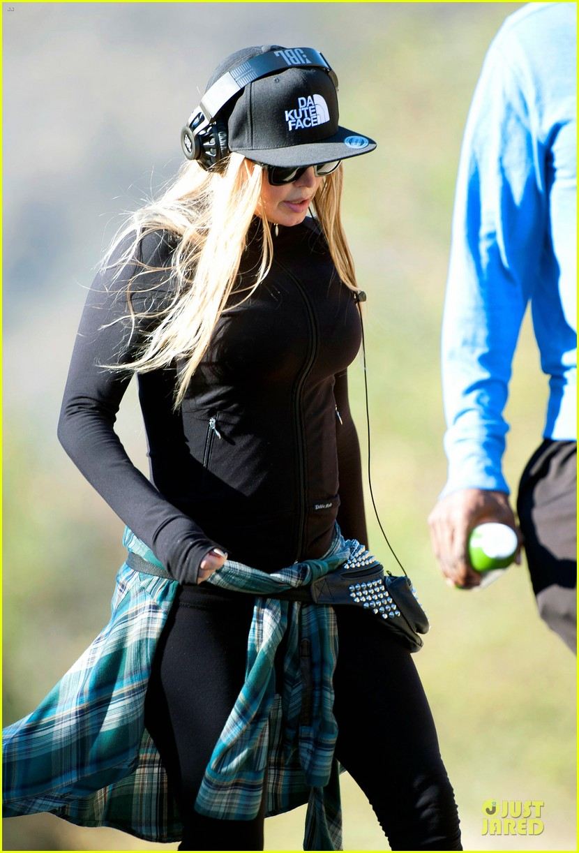 fergie solo hike before dick clark new year rockin eve 043020223