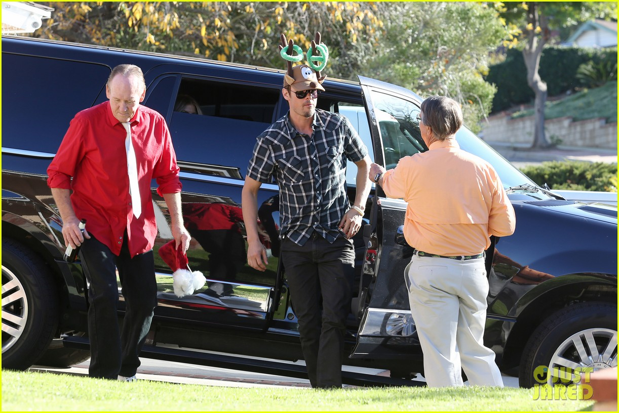fergie josh duhamel celebrate christmas with baby axl 253017696