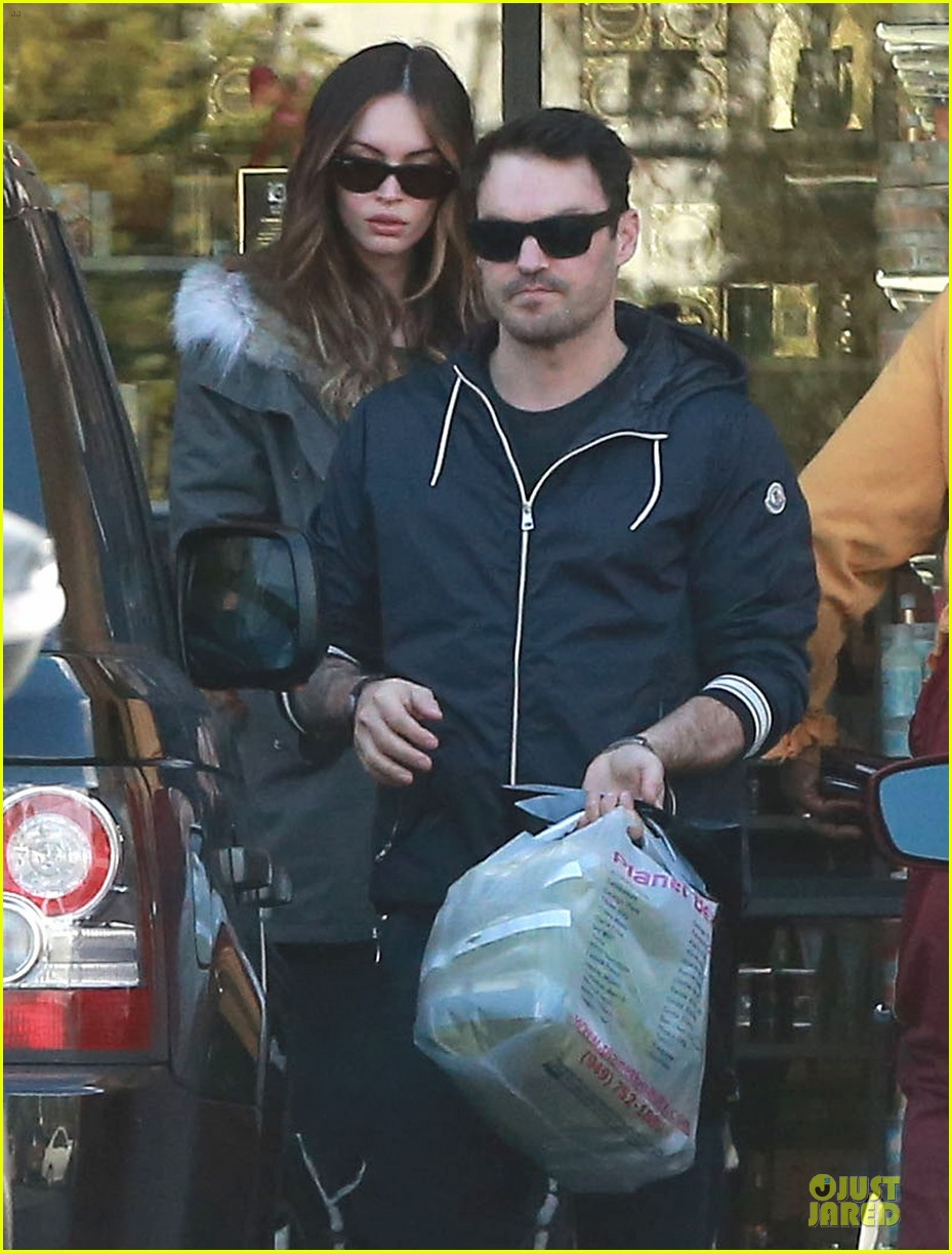 megan fox brian austin green planet beauty shopping pair 023007118