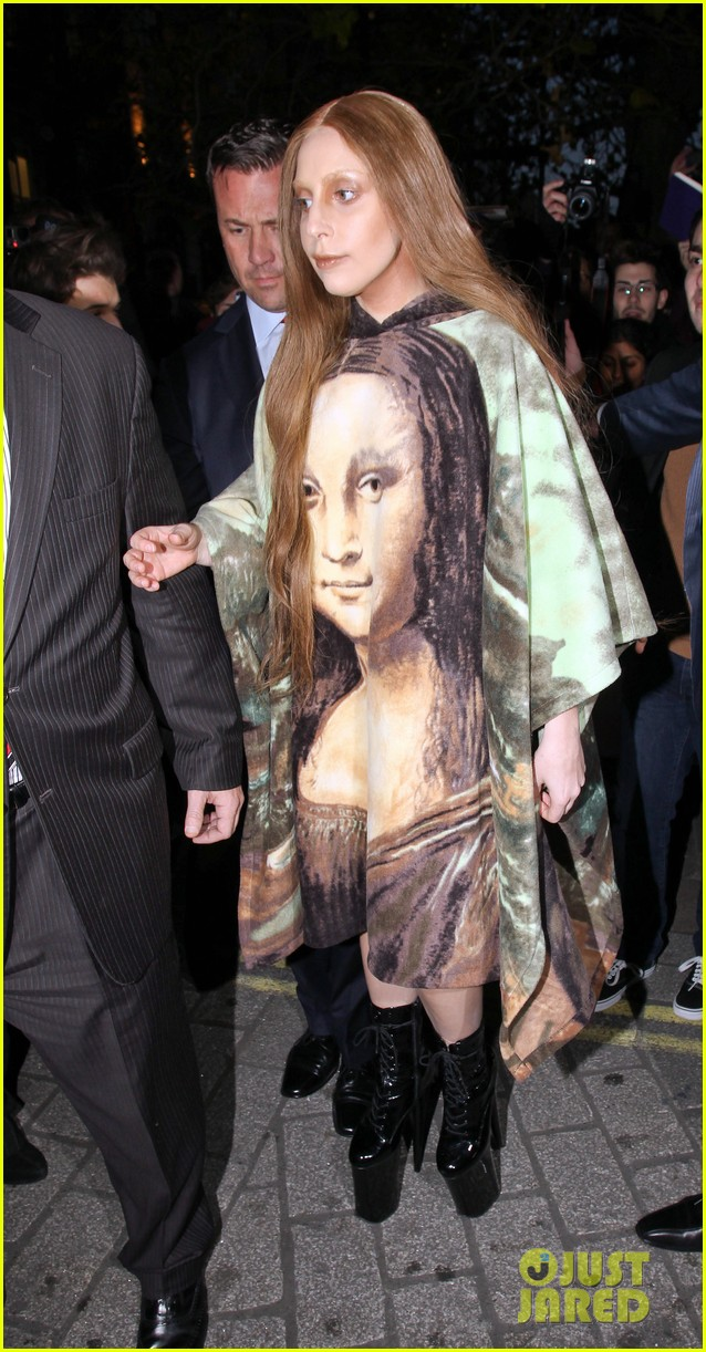 lady gaga displays mona lisa dress in london 113004968