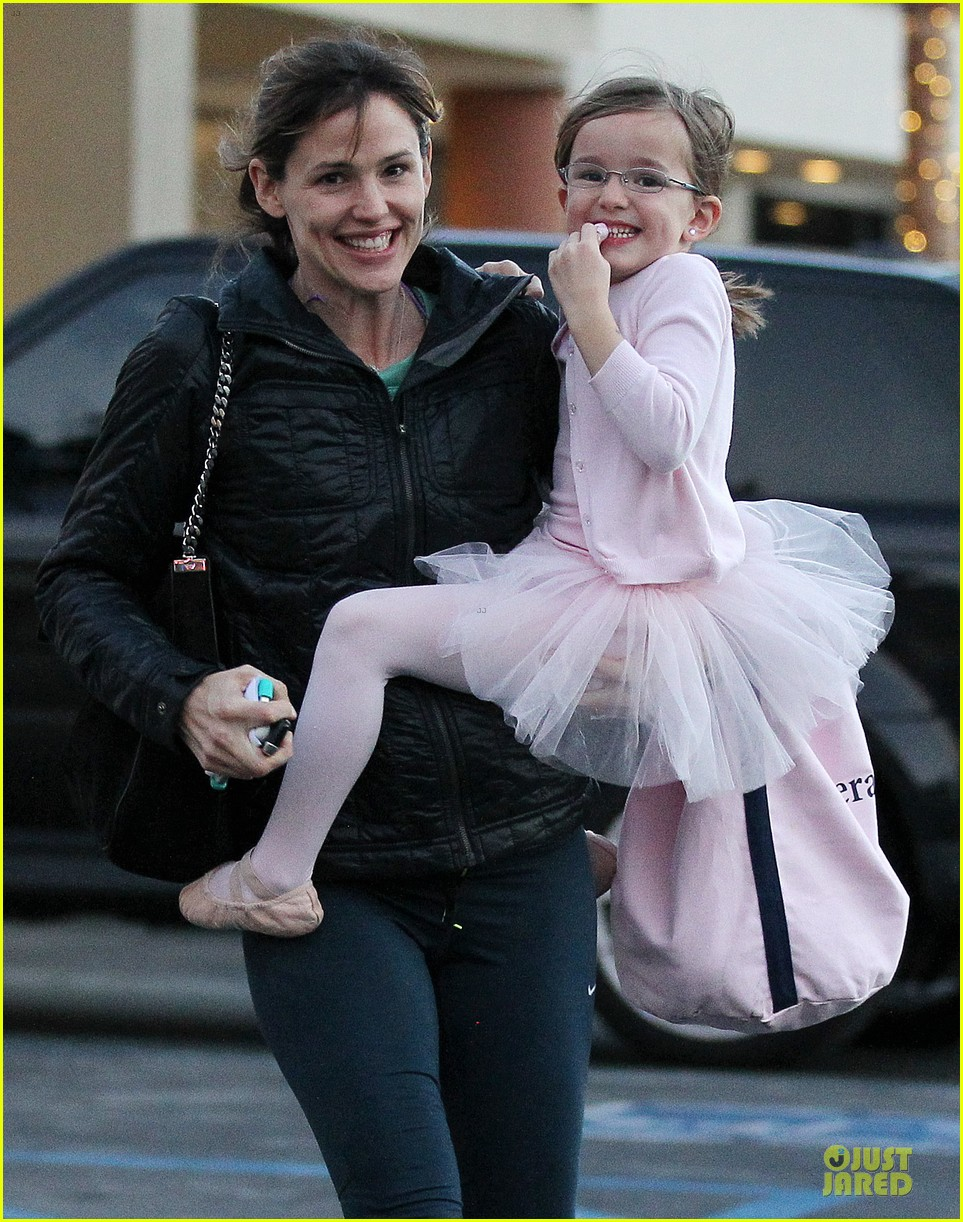jennifer garner wraps week with seraphina ballet class 173011772