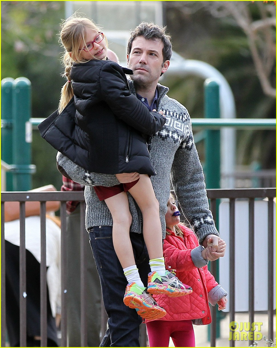 jennifer garner ben affleck sunday park day with the kids 16