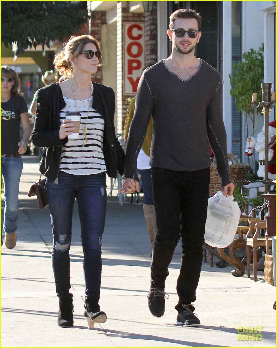 ashley greene paul khoury romancing the bean date 28