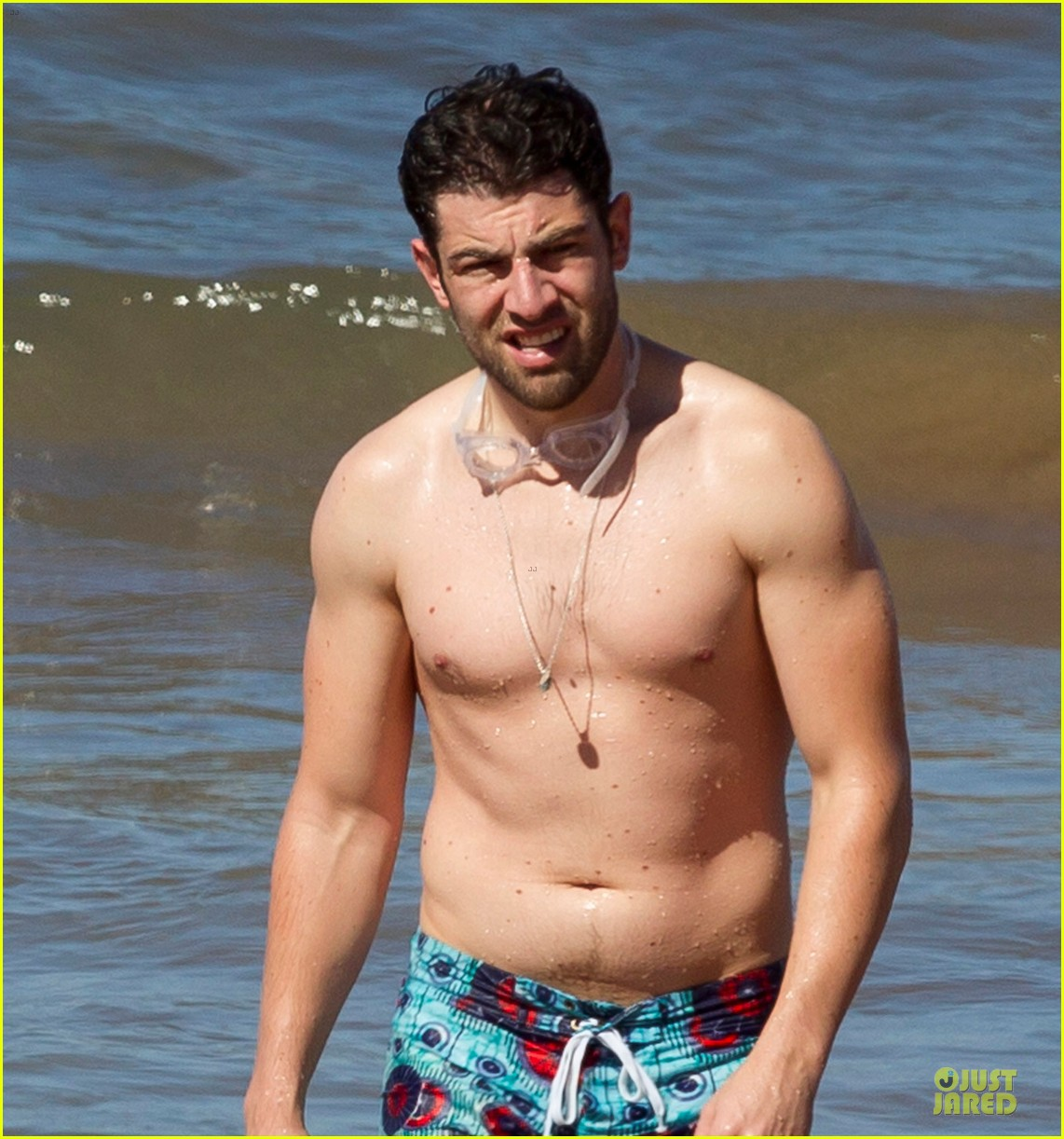 max greenfield shirtless vacation with bikini clad wife tess 023020268