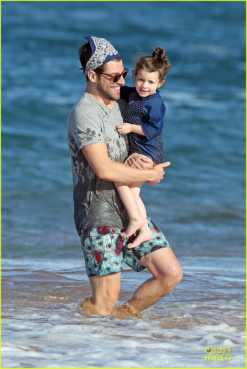 max greenfield shirtless vacation with bikini clad wife tess 14