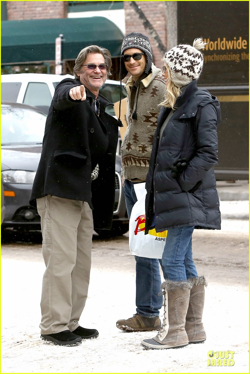 goldie hawn kurt russell aspen chat with melanie griffith 243017519