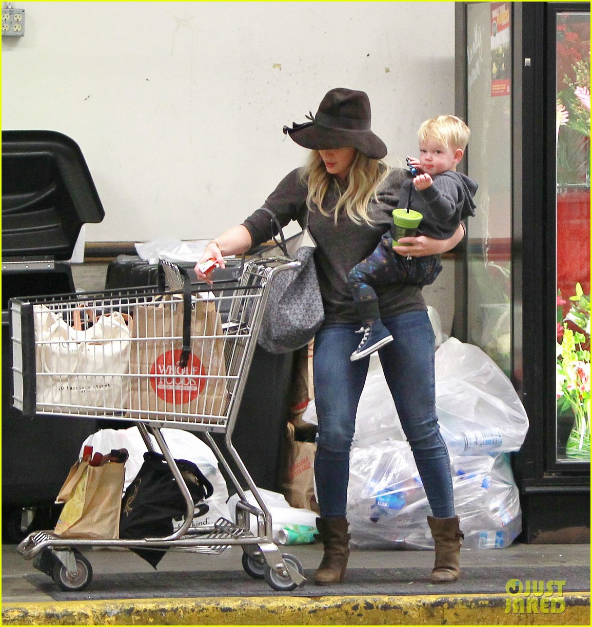 hilary duff busy weekend with her boys 13
