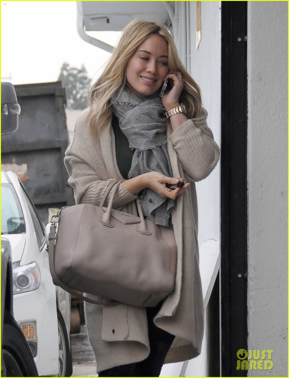 hilary duff busy weekend with her boys 343007822