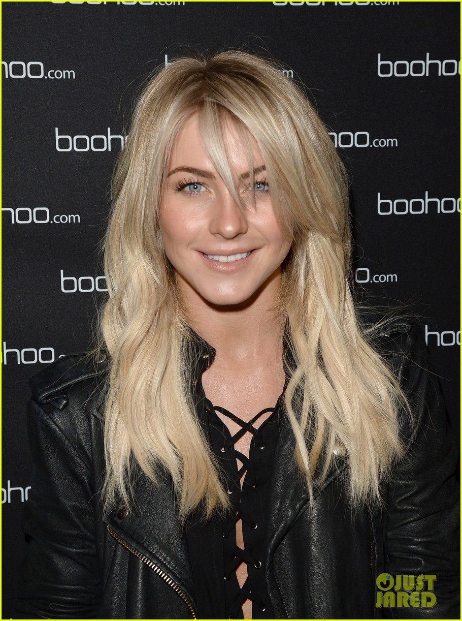 julianne hough beyonces mrs carter world tour viewing party 063004767