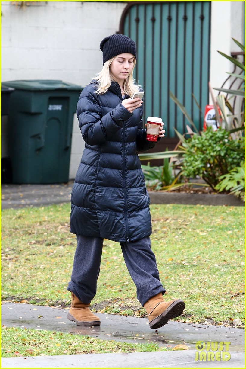 julianne hough is ready for christmas with armful of gifts 033015288
