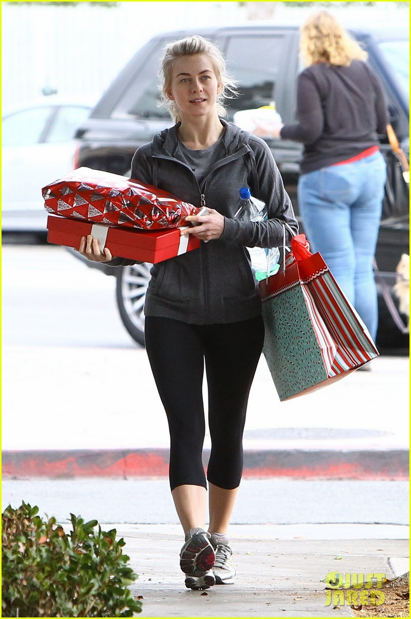 julianne hough is ready for christmas with armful of gifts 143015299