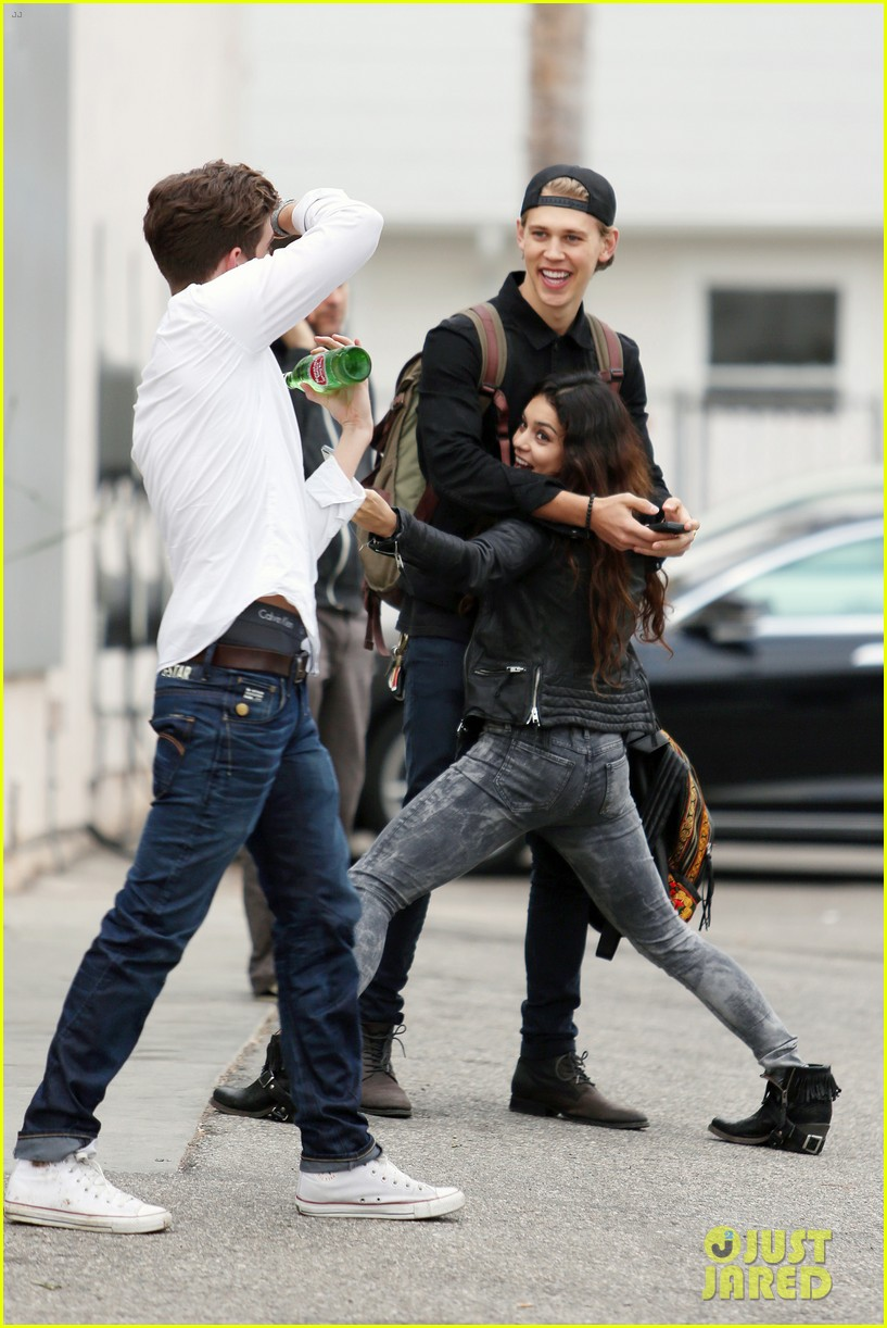 vanessa hudgens dance take silly selfies in a parking lot 20