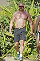 celebrity chef robert irvine goes shirtless in hawaii 03
