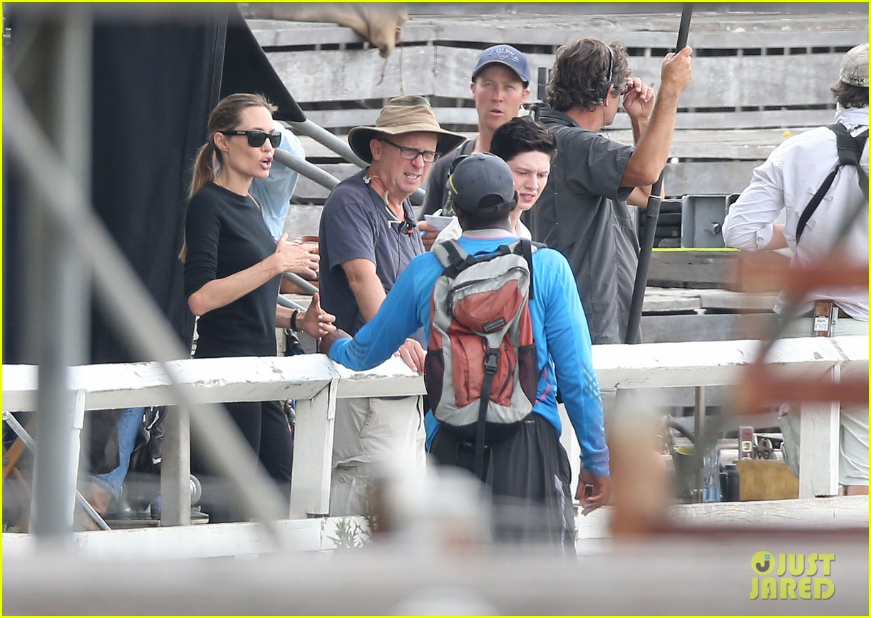 angelina jolie back to work for unbroken after family weekend 08