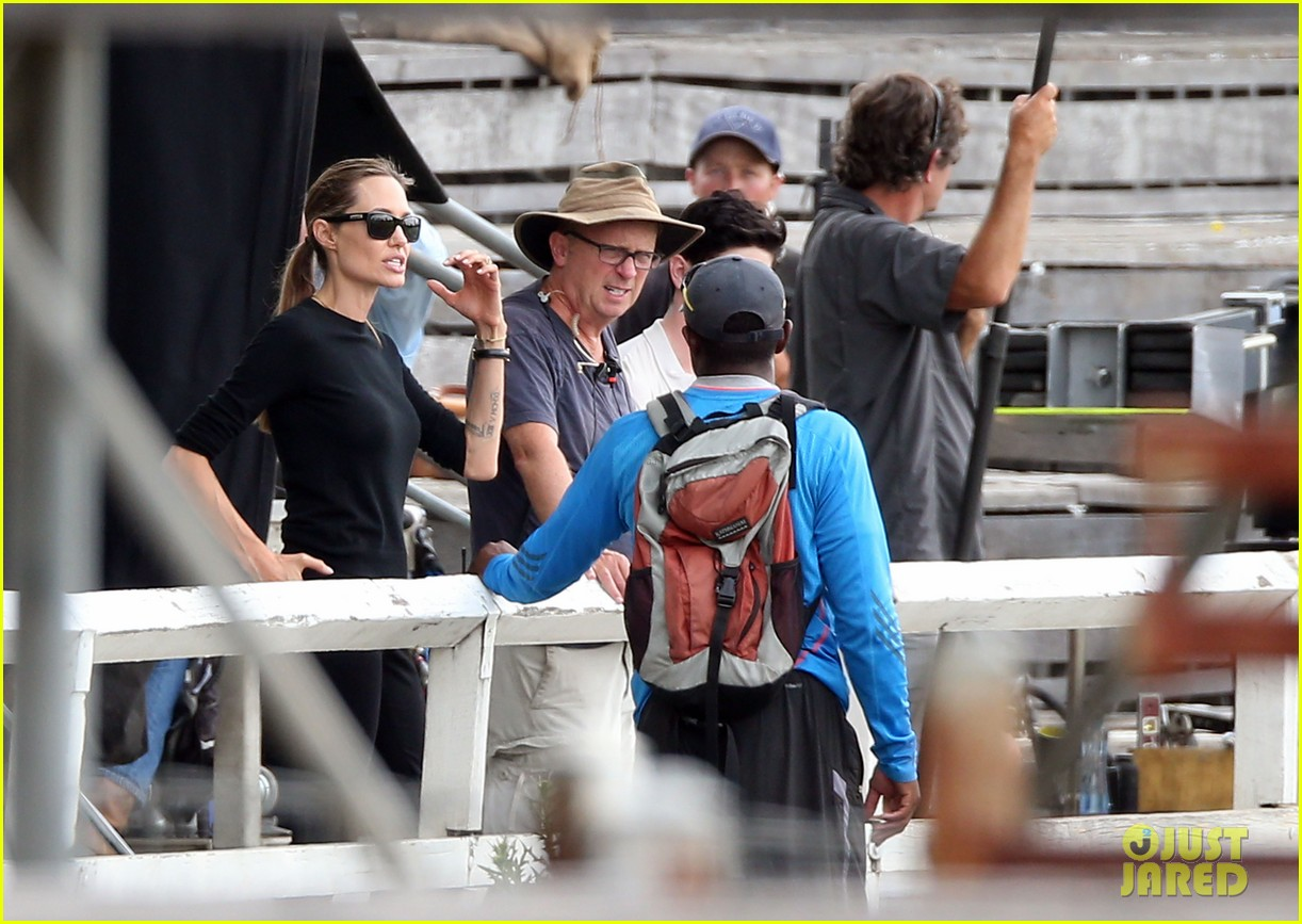 angelina jolie back to work for unbroken after family weekend 10