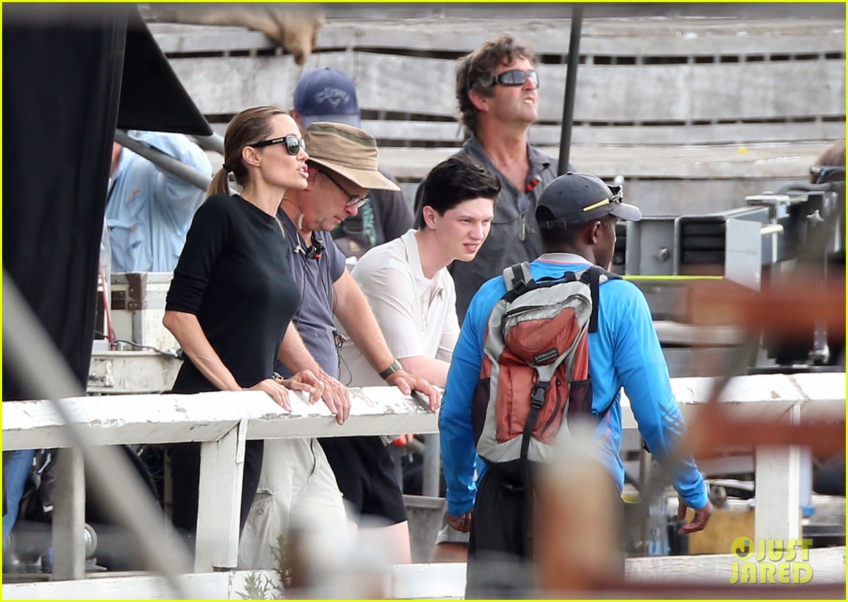 angelina jolie back to work for unbroken after family weekend 14