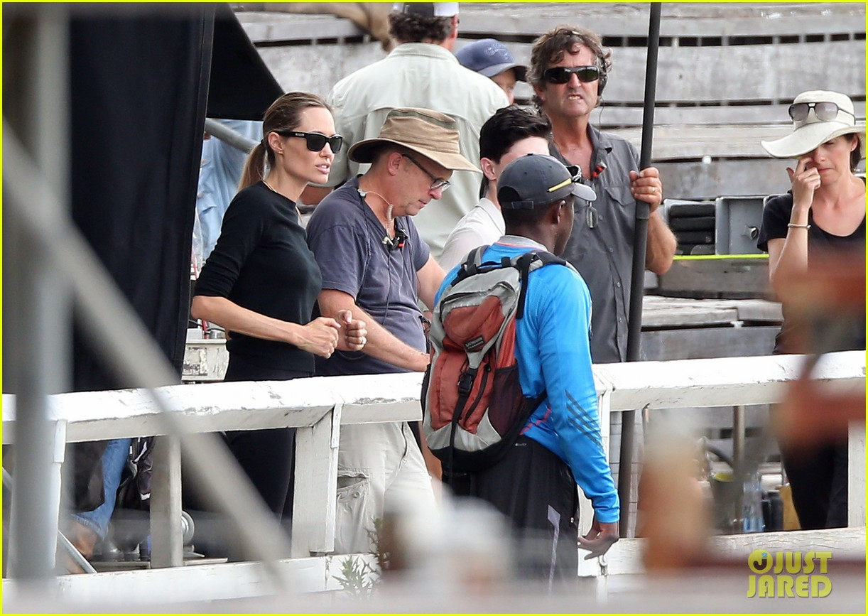 angelina jolie back to work for unbroken after family weekend 22