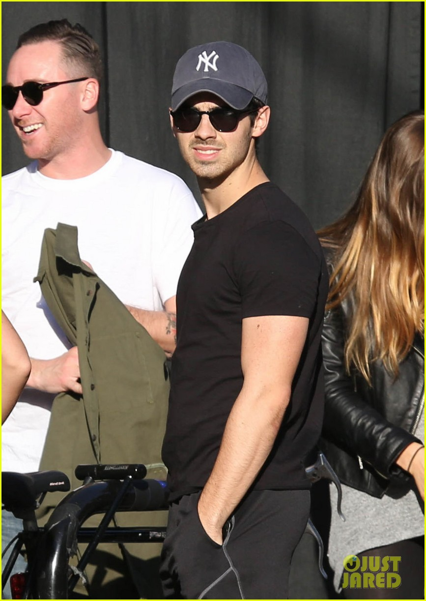 joe jonas jesse metcalfe lunch with their gals 063019768