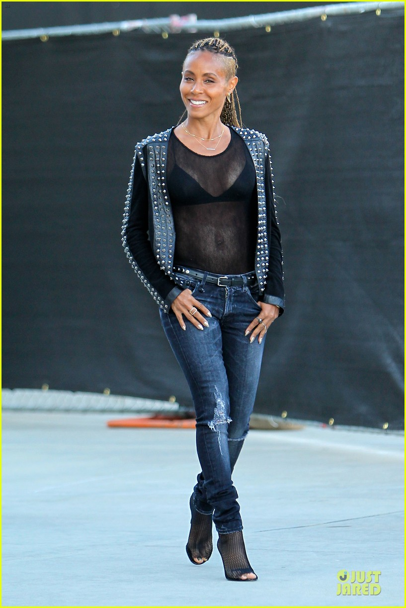 jada pinkett smith flashes black bra in sexy sheer top 01