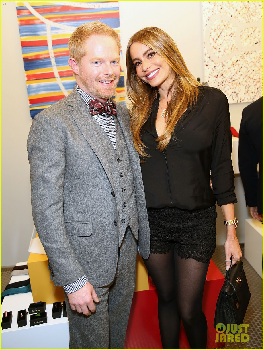 jesse tyler ferguson sofia vergara tie the knot pop up shop opening 06