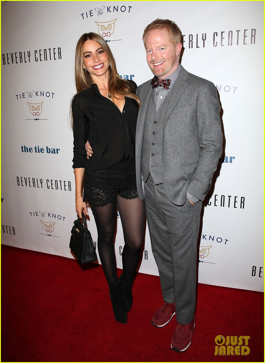 jesse tyler ferguson sofia vergara tie the knot pop up shop opening 14