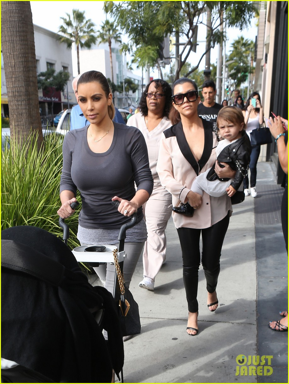 kim kourtney kardashian get lunch with their daughters 03