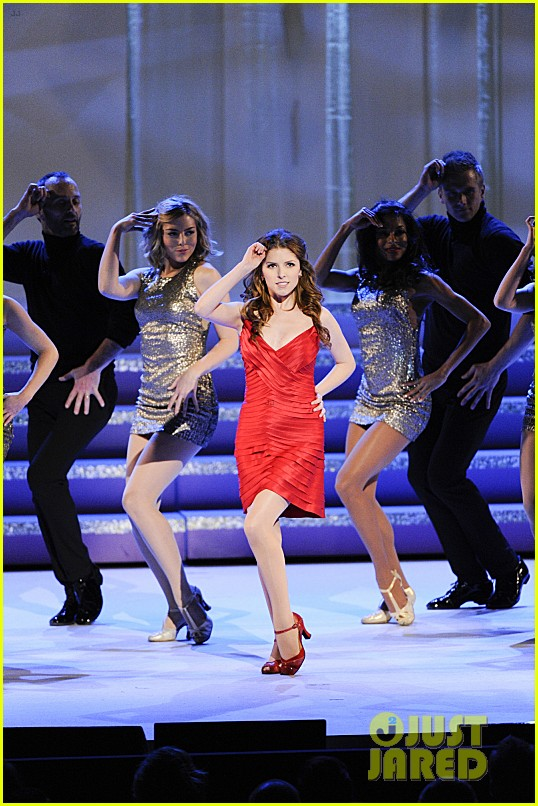 anna kendrick performs at kennedy center honors 2013 video 043019851