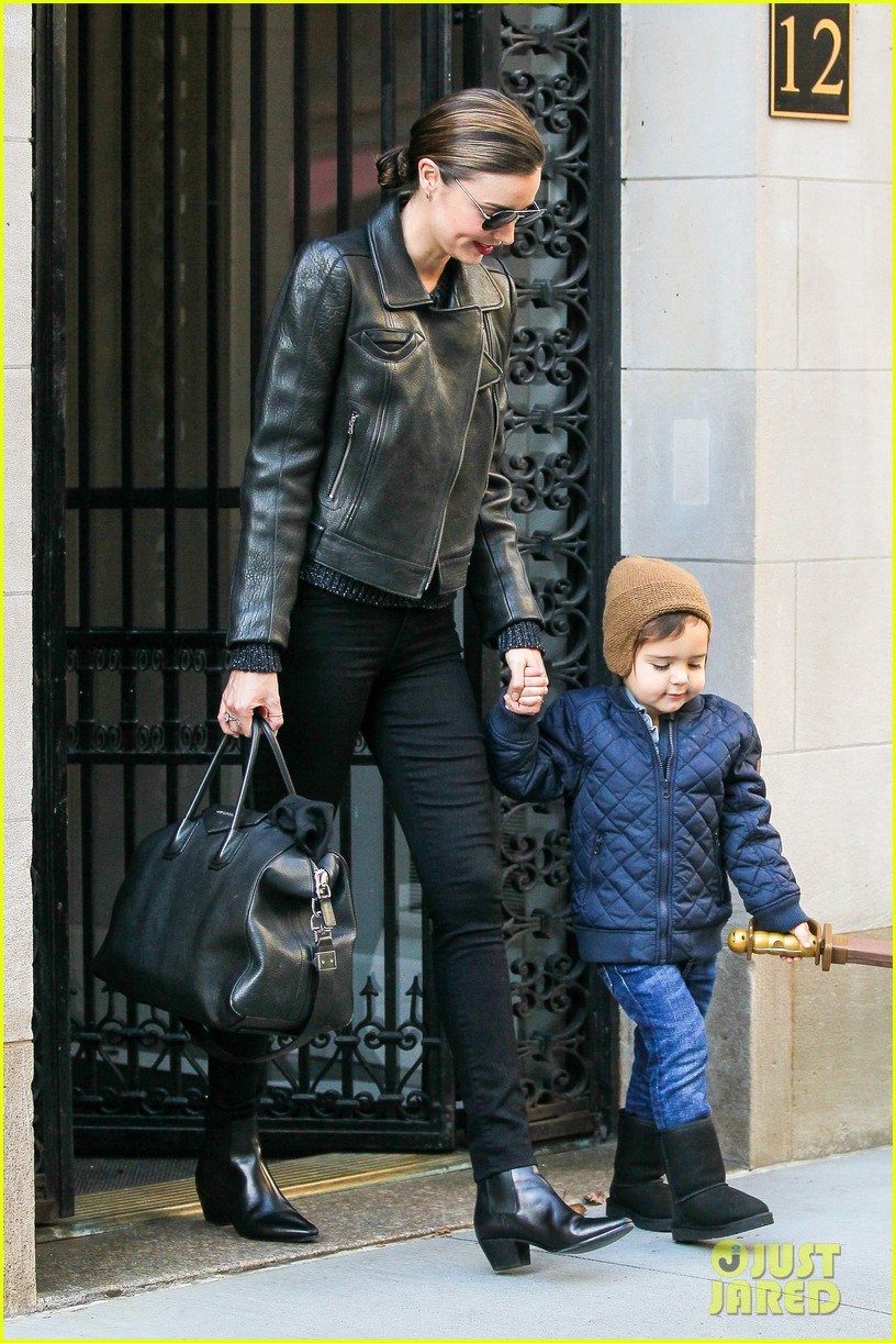 miranda kerr drops off flynn for day with daddy orlando bloom 103002988
