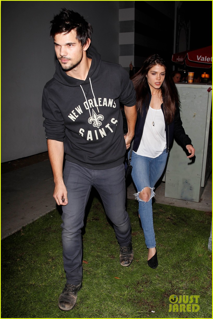 taylor lautner marie avgeropoulos acabar dinner date duo 12
