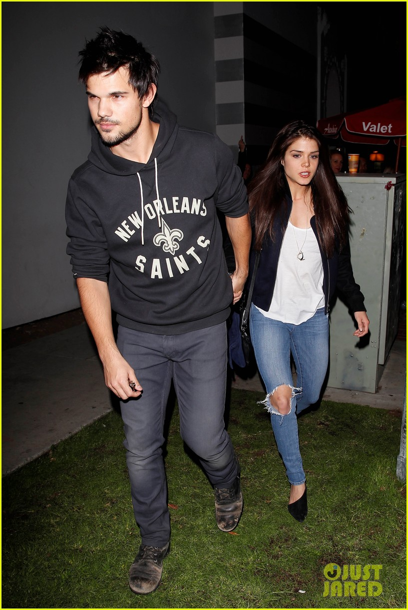 taylor lautner marie avgeropoulos acabar dinner date duo 13
