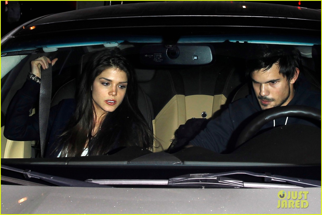 taylor lautner marie avgeropoulos acabar dinner date duo 22