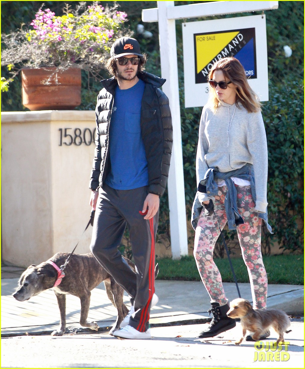 leighton meester adam brody morning dog walk 093016313