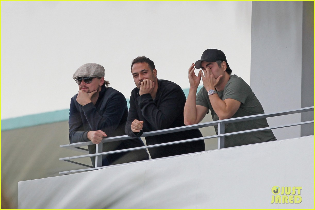 leonardo dicaprio takes in sights in miami 033004287