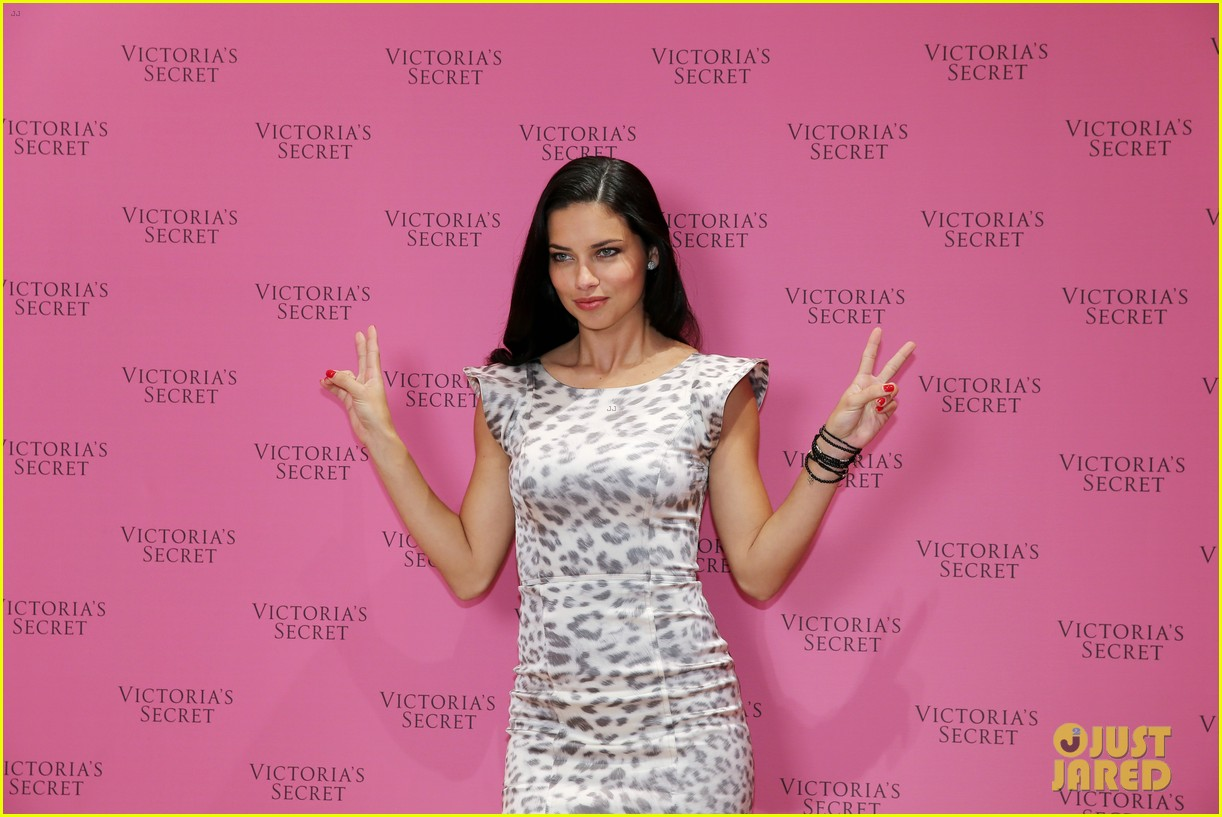 adriana lima launches victorias secret fantasy bra in dubai 063012873