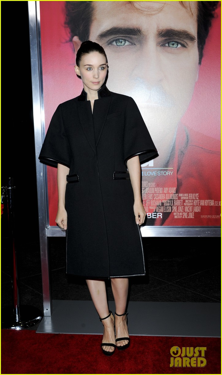 rooney mara her premiere with sister kate mara 20