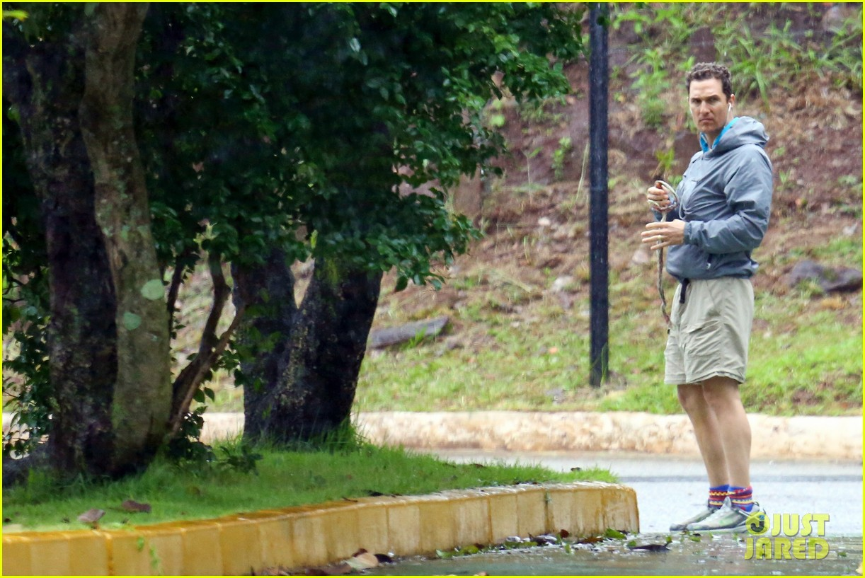 matthew mcconaughey braves the rain for a run in brazil 15