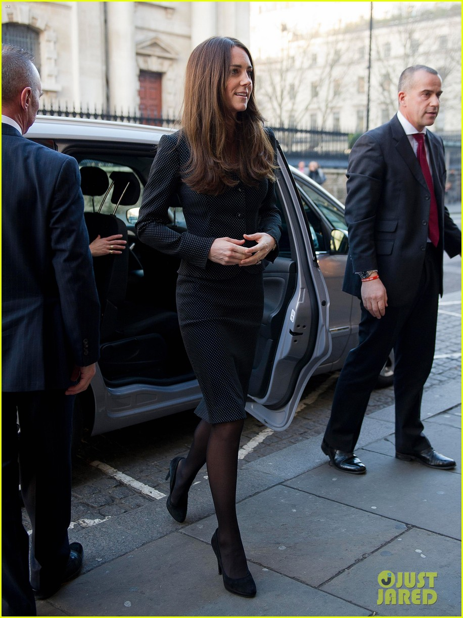 kate middleton prince william glam up for 3d movie premiere 053010009