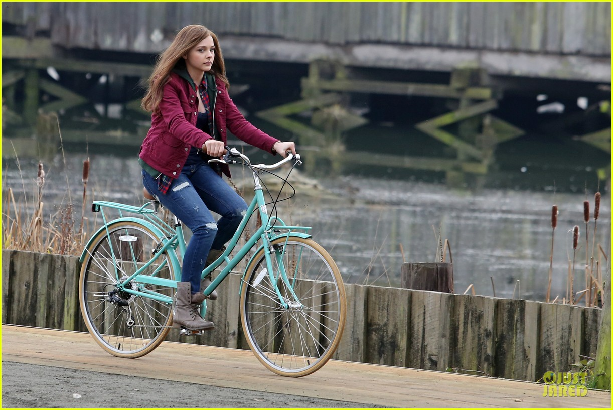 chloe moretz after thanksgiving bike rider for if i stay 11