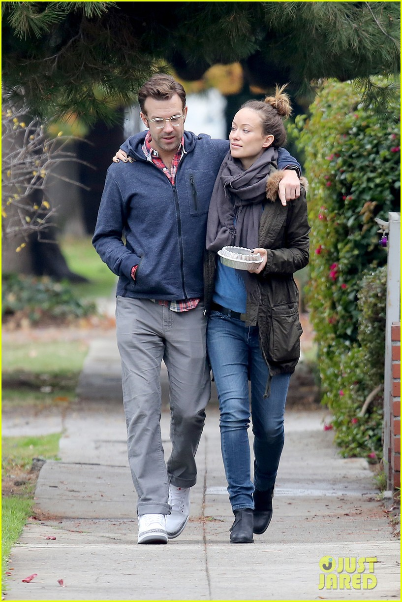 olivia wilde jason sudeikis arm in arm after lunch date 213007623