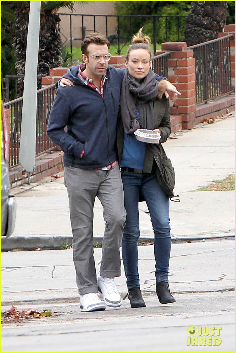 olivia wilde jason sudeikis arm in arm after lunch date 303007632