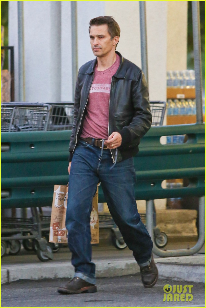 olivier martinez busy weekend running errands 313003195